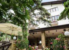 Отель Вилла Сосновый бор в Мисхоре